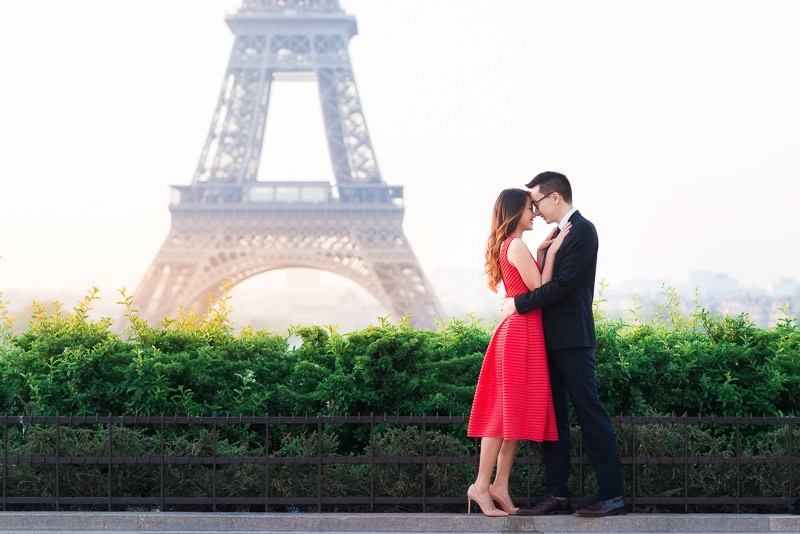 Romantic moment in Paris