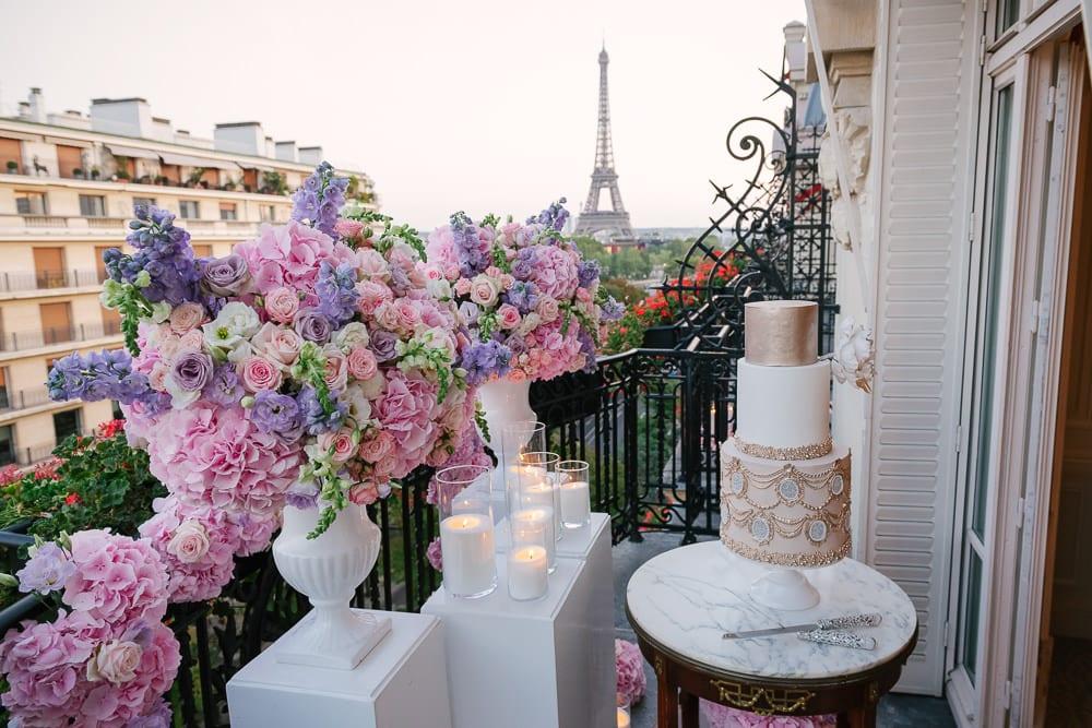 Paris elopement photographer - dream elopement setup with Eiffel Tower view