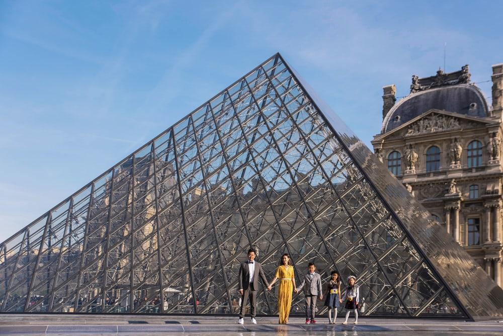 family photo shoot in paris 21