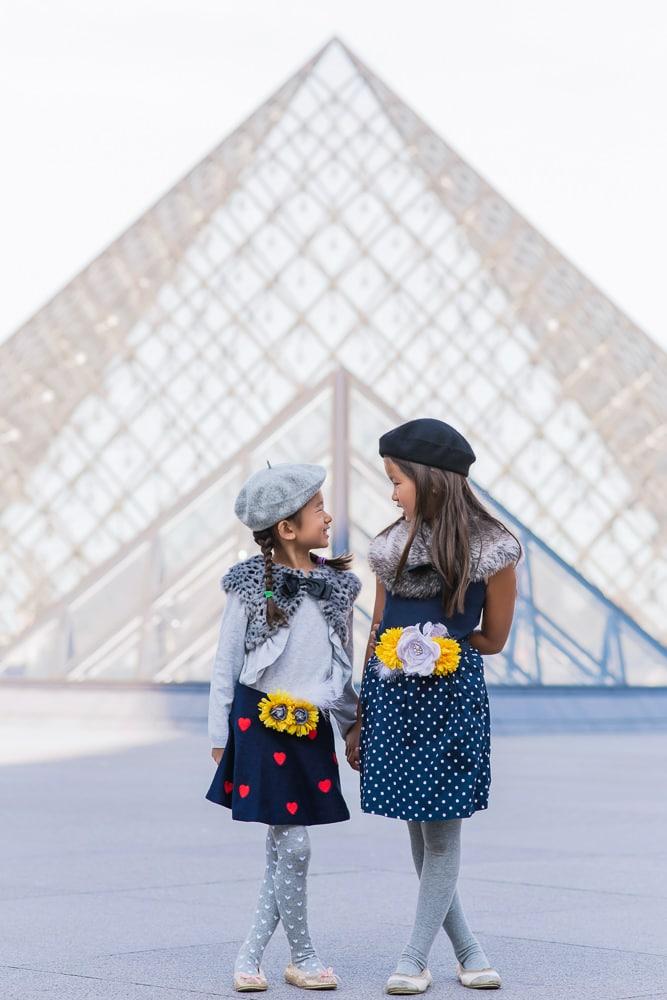 family photo shoot in paris 26