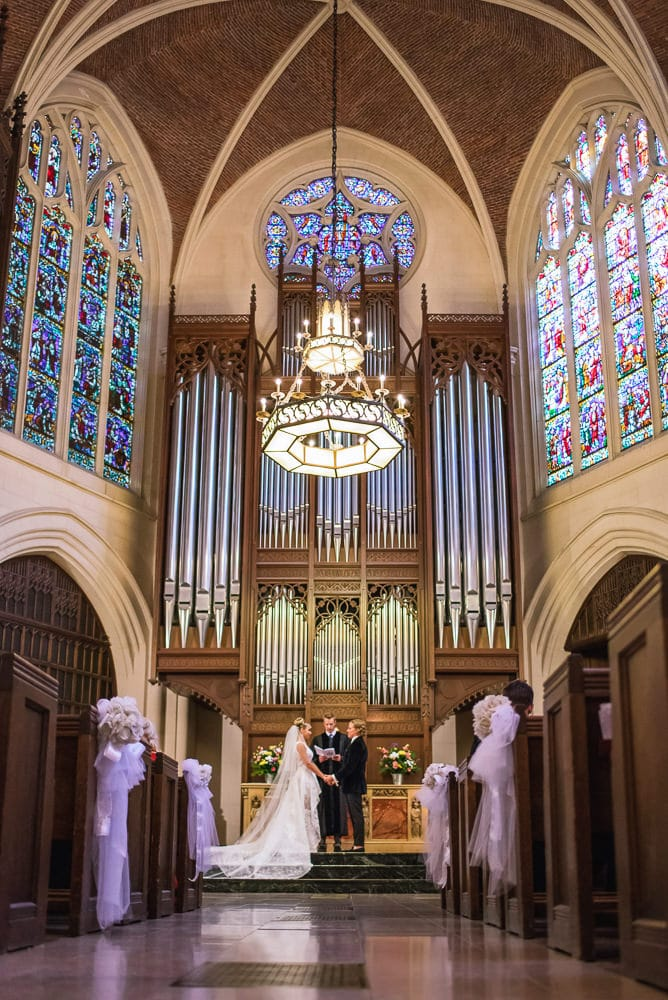 wedding photography paris - religious wedding ceremony at the american church in paris