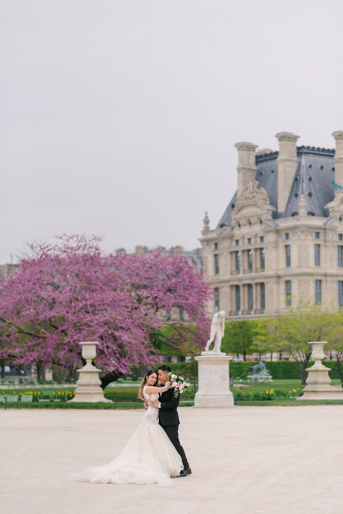 Pre wedding photo shoot in Paris