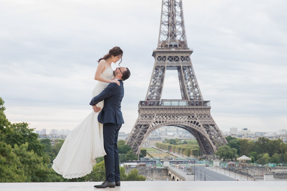 Kiss me in Paris on my wedding day