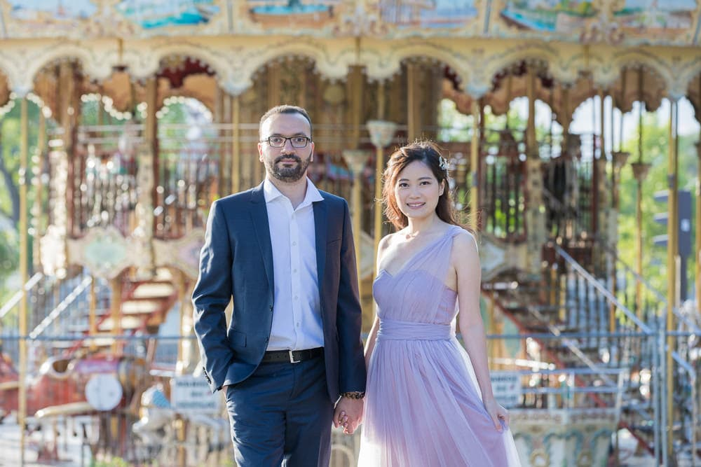 Bride and groom portraits carousel Paris