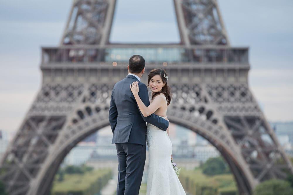 Wedding picture Eiffel Paris