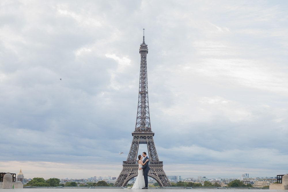Paris Wedding Photo - bride and groom by the Eiffel Tower
