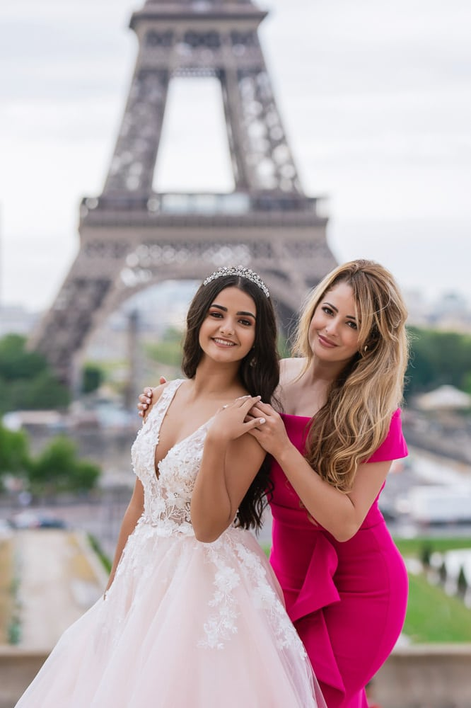 Mother and daughter quinceanera pictures in Paris