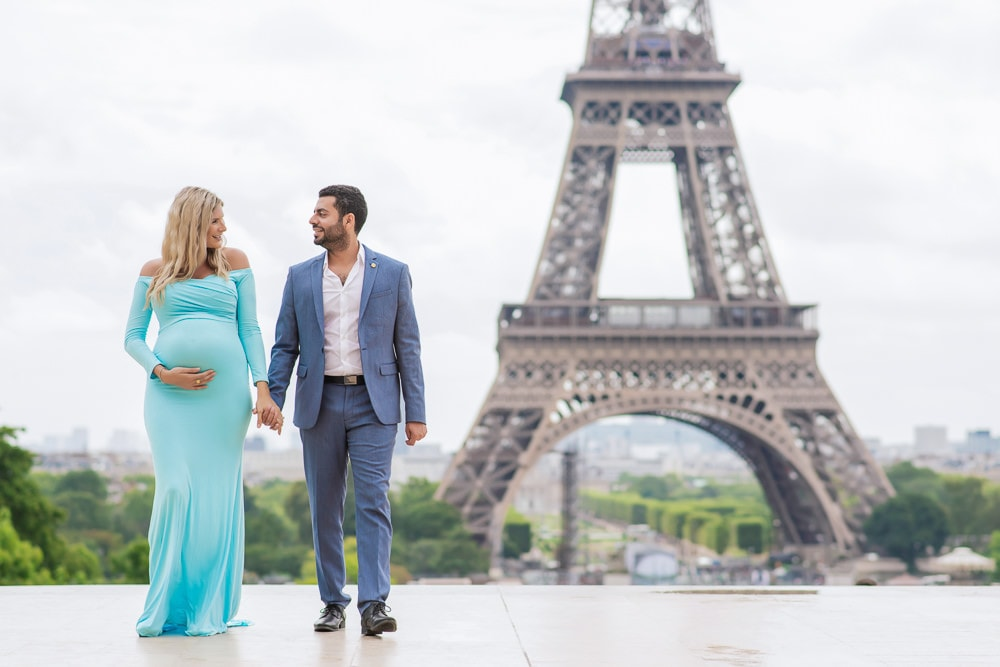 Maternity photos in Paris in 2020