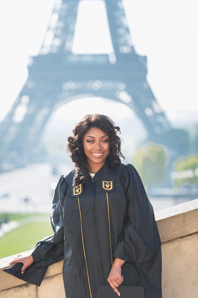 Graduation photos in Paris 10