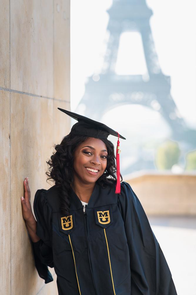 Graduation photos in Paris 15
