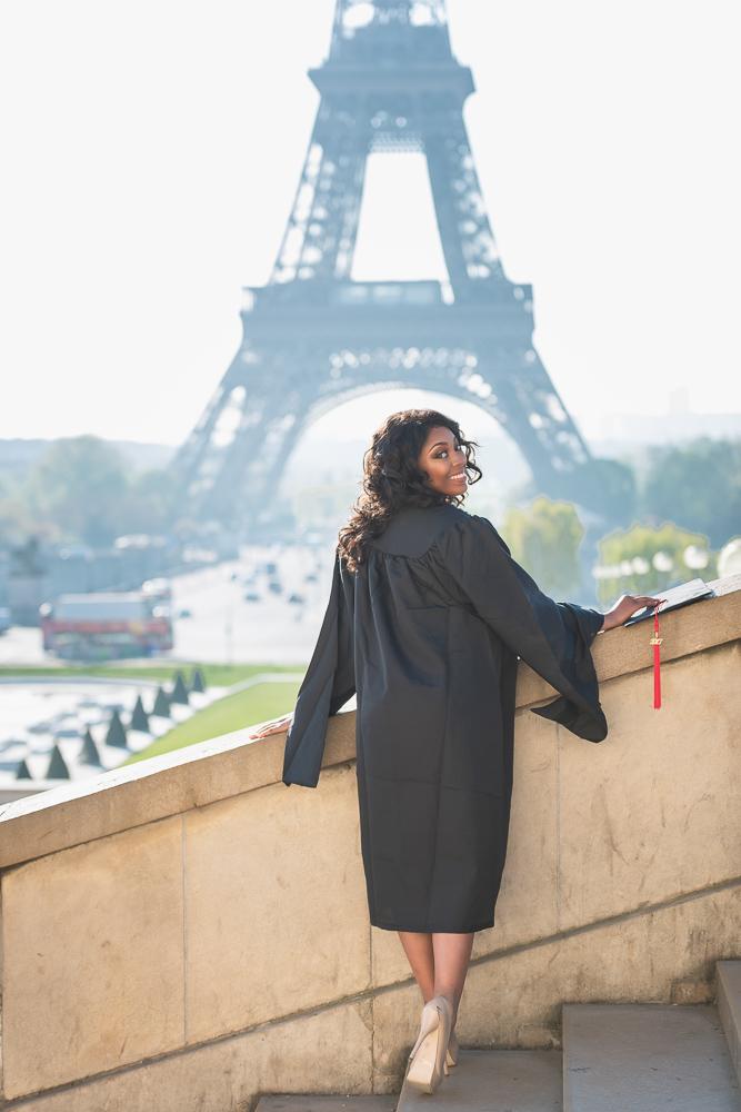 Graduation photos in Paris 9