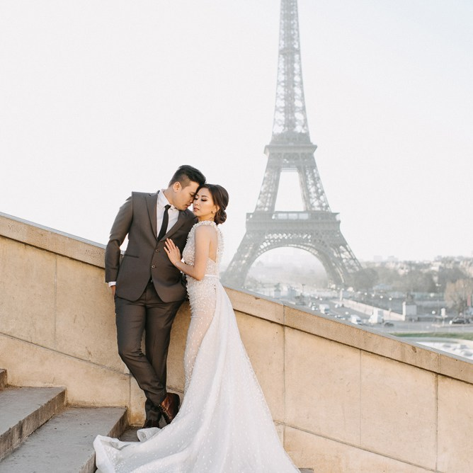 Paris pre wedding pictures with asian bride and wedding dress by Eiffel