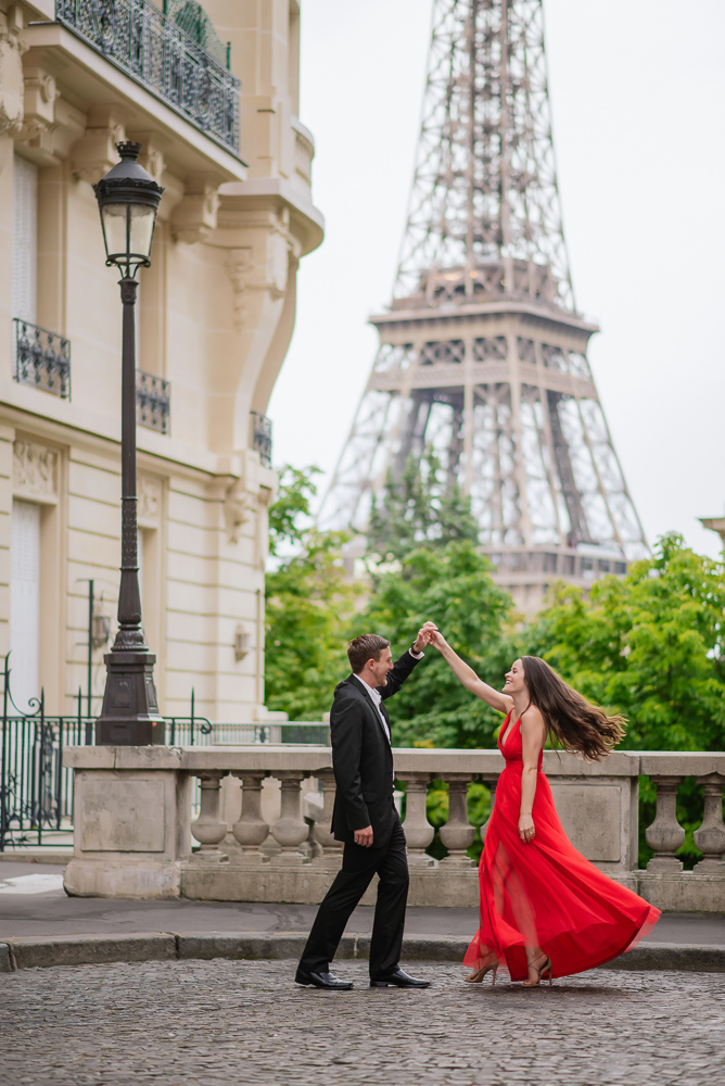 Couple dancing in the streets of Paris