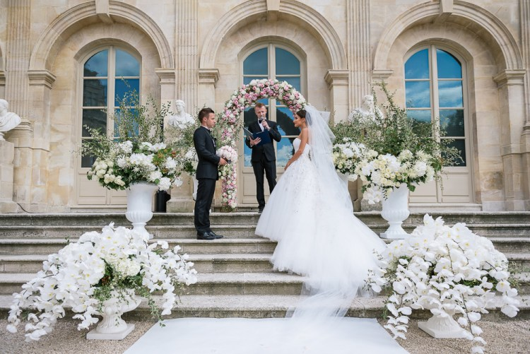 Luxury wedding at Chateau de Chantilly in France