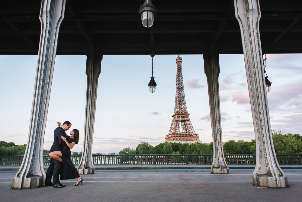 Tango dancers by the Eiffel Tower in paris