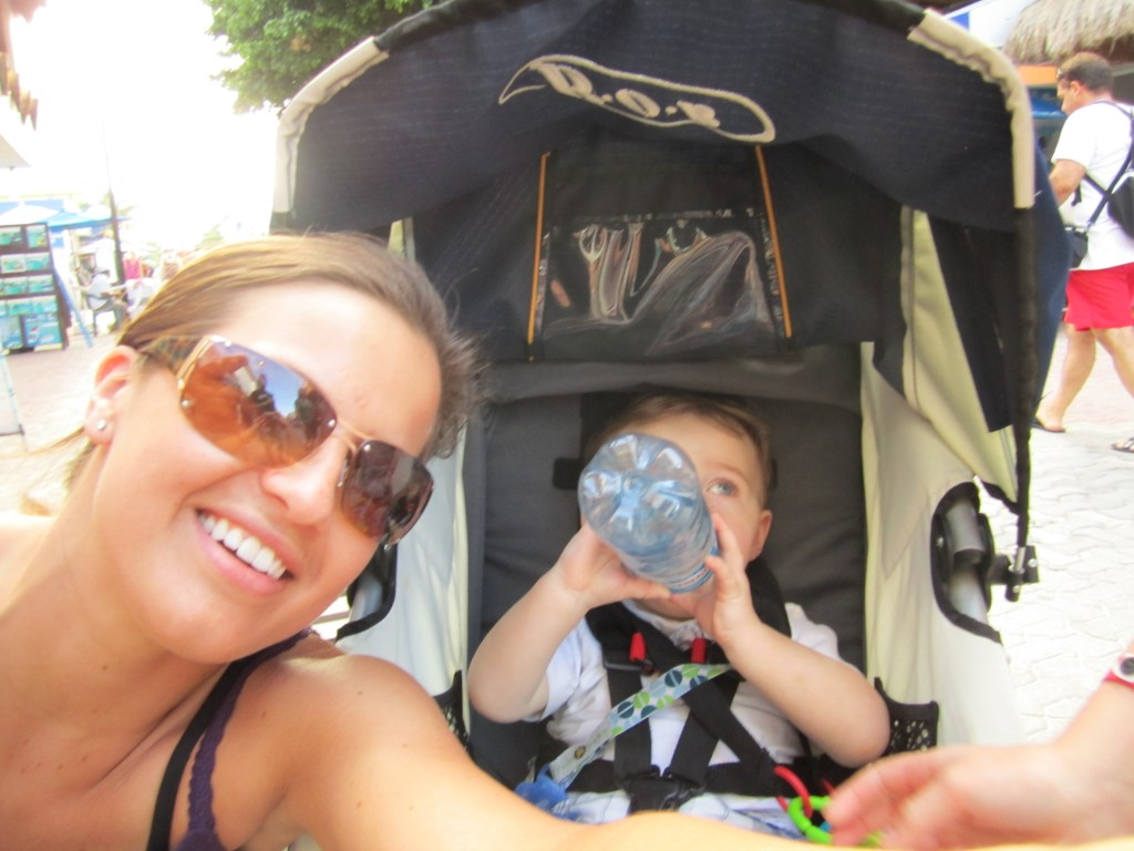 Are you thinking about taking your first family trip without a stroller? Here are 5 things to know about going on vacation without a stroller to make it easier. Best tips and information to help you take that family trip with no stroller. #stroller #travelstroller #holidaystroller #strollertrips