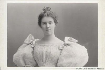 Louise Hoge in May 1895