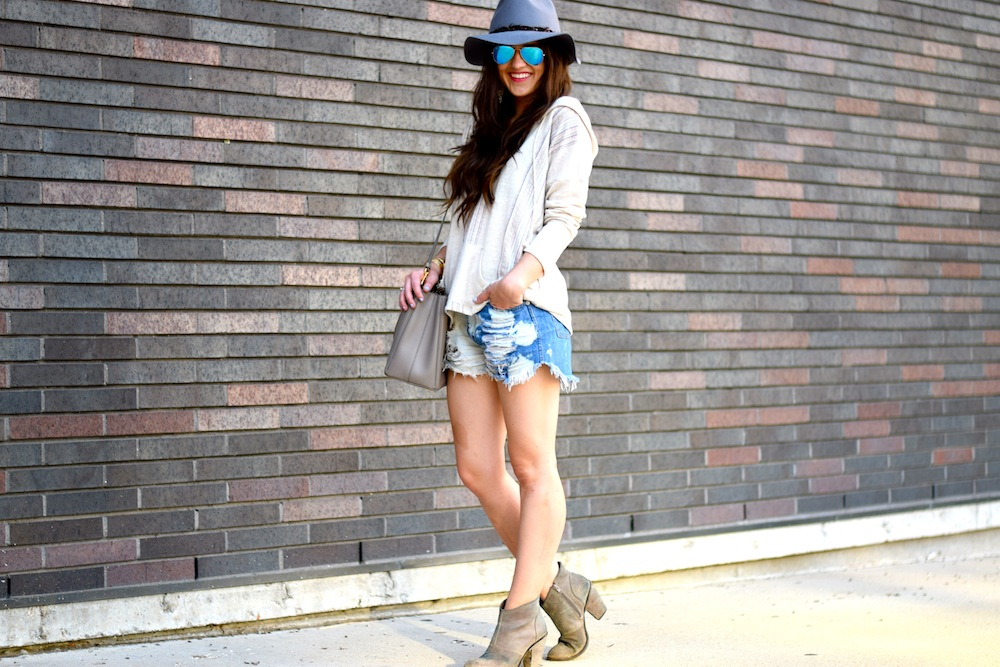 boho look with hat
