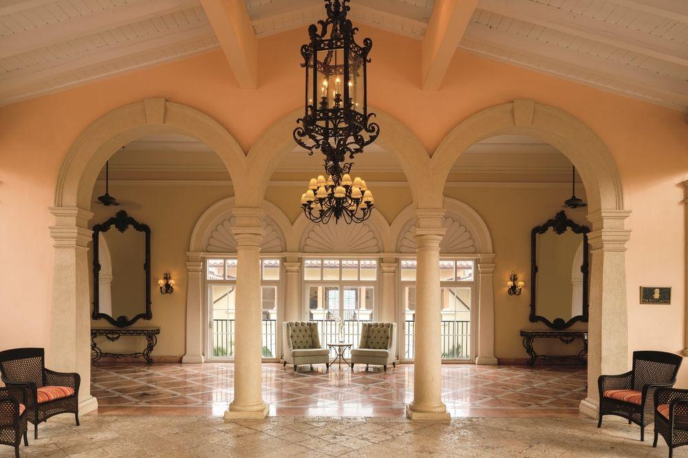 Ritz-Carlton-Hotel-Main-Lobby