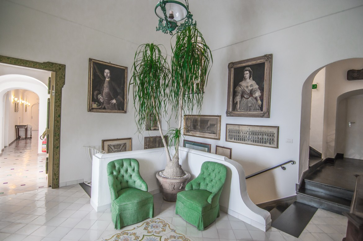 Le Sirenuse Positano Green Chairs Decor