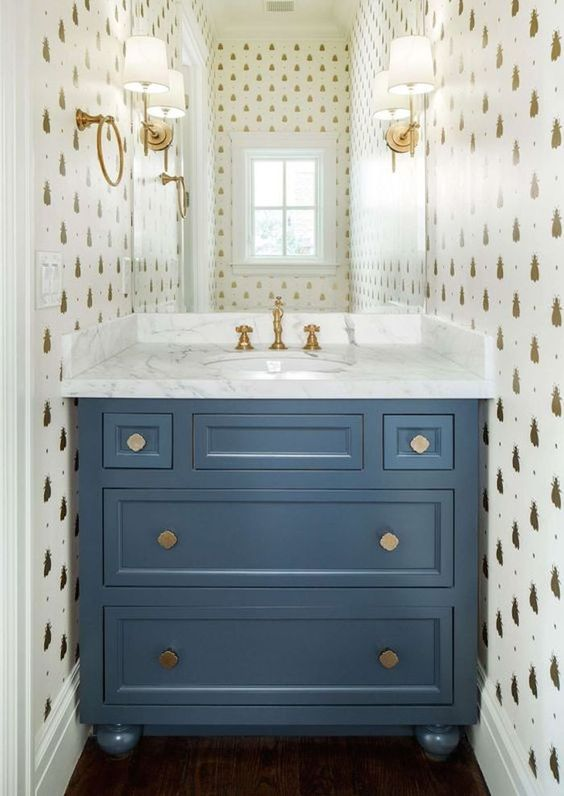 bee-wallpaper-gold-guest-bathroom