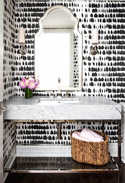 black-white-wallpaper-bathroom
