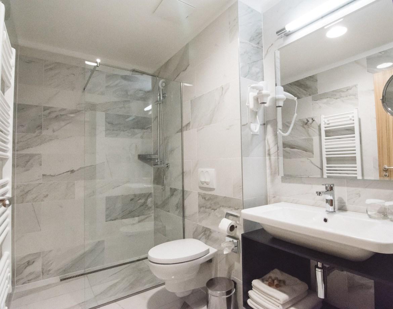 Urban Hotel Ljubljana Bathroom