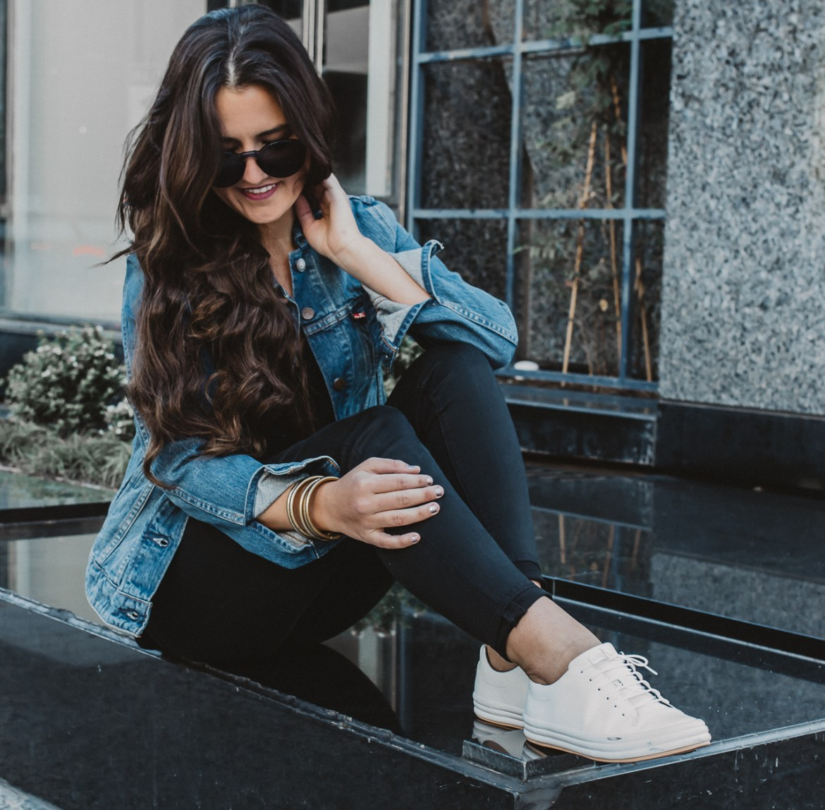 White Sneaker Fall Outfit