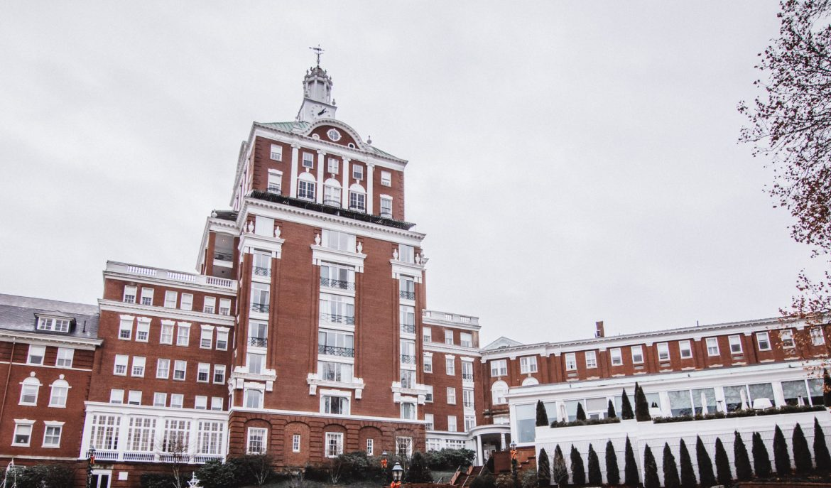 omni-homestead-resort-virginia-exterior