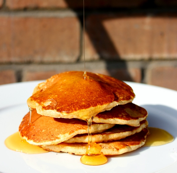 Easy and Quick Pumpkin Pancakes recipe - Healthy recipes from thepetitecook.com