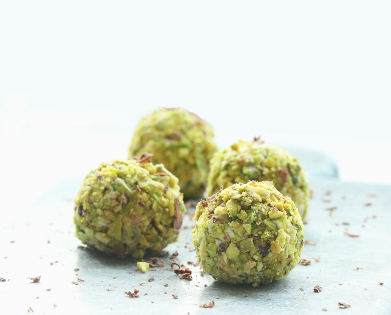 cannoli-truffles-pistachio