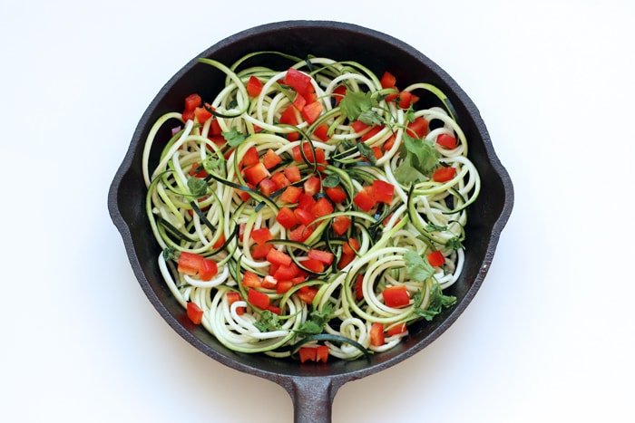 Zucchini Noodles Frittata - 5 ingredients energy-packed meal for a quick breakfast, lunch or dinner - Enjoy hot or cold! Gluten-free and vegetarian recipe - thepetitecook.com