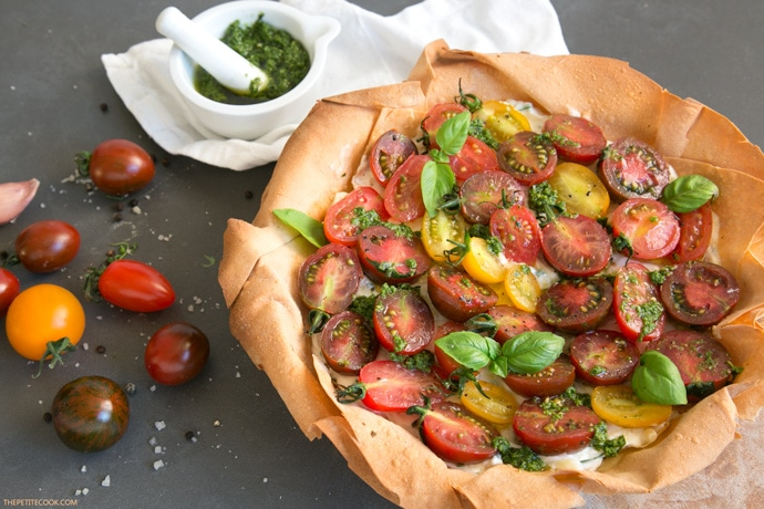 A light and colorful Heritage Tomato Phyllo Tart packed with vibrant summer flavors – Ready in just 20 min, it makes a showstopping vegetarian starter or main to share at outdoor events. Recipe from thepetitecook.com