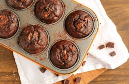 Soft, rich and extra chocolaty - These low fat Double Chocolate Banana Bread Muffins don't require extra refined sugar, oil or butter but are crazy moist and loaded with banana and chocolate flavor. Recipe from thepetitecook.com