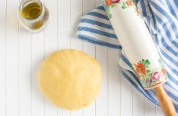 Soft, crumbly and made without butter, this magic 5-ingredient Olive Oil Shortcrust Pastry is a light dairy-free alternative to the traditional version. Great for cookies, tarts and pies, it will easily become your go-to substitute for any sweet recipe calling for classic shortcrust pastry! Recipe by The Petite Cook