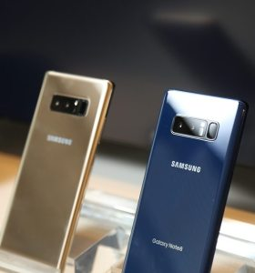Samsung Galaxy Note 8 Hands-on blue and gold