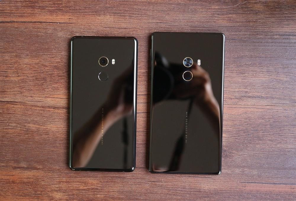 Xiaomi Mi MIX 2 Vs Xiaomi Mi MIX - back