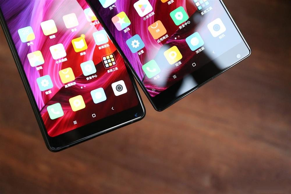 Xiaomi Mi MIX 2 Vs Xiaomi Mi MIX - bottom