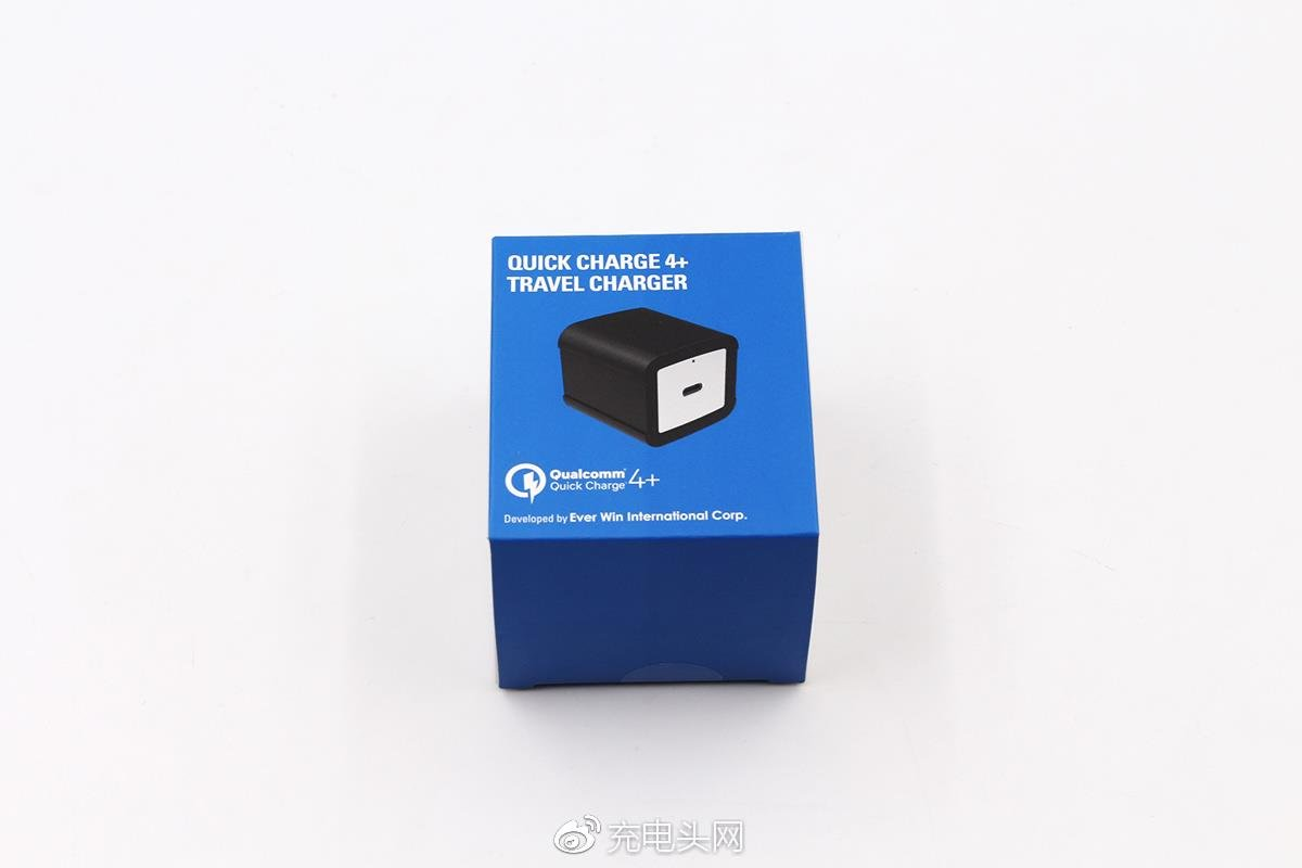 Qualcomm QC 4.0 + Charger Review - Packaging