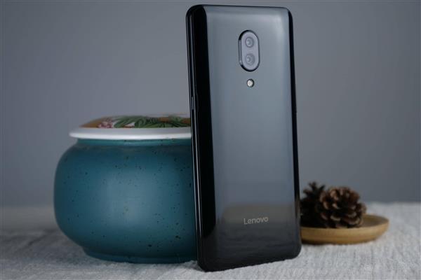 Lenovo Z5 Pro Slider Review - Design and appearance