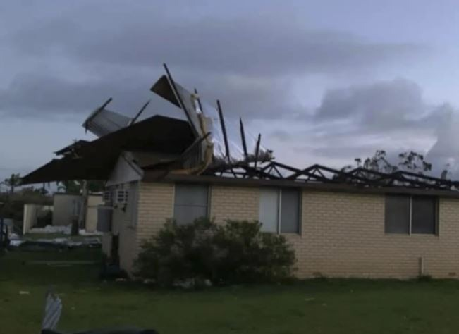 Smashed houses, fallen trees, downed power lines: Cyclone Seroja rips  through Australia • The Pigeon Express
