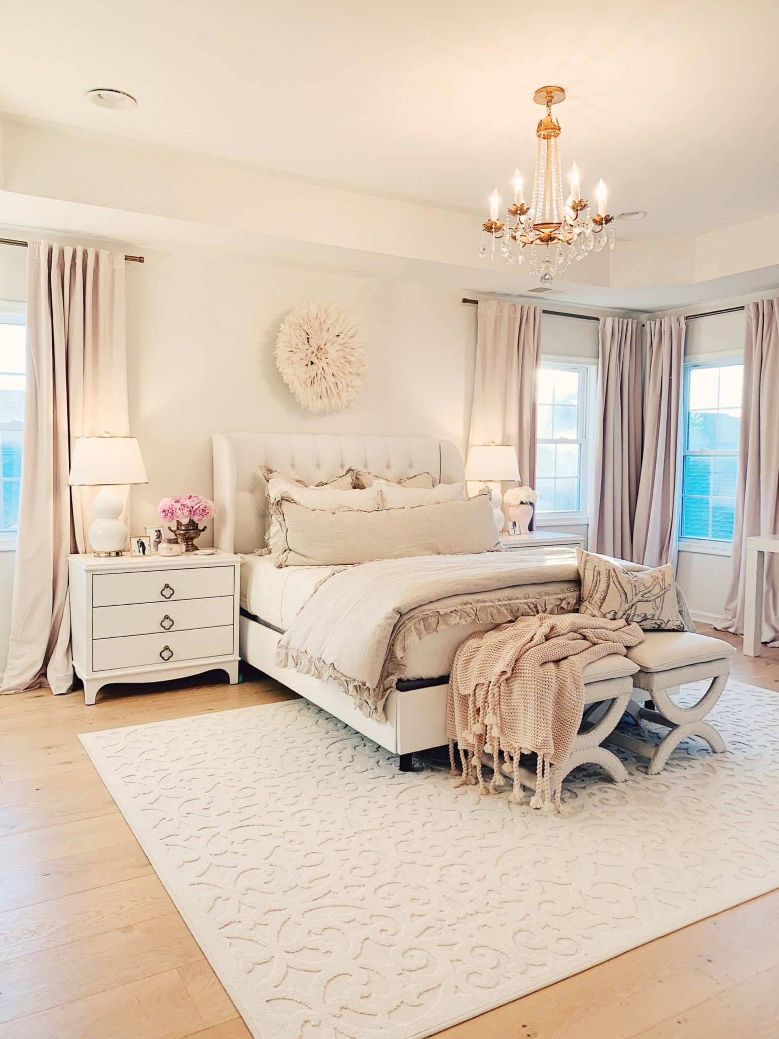 Master Bedroom Decor: a Cozy & Romantic Master Bedroom - The Pink