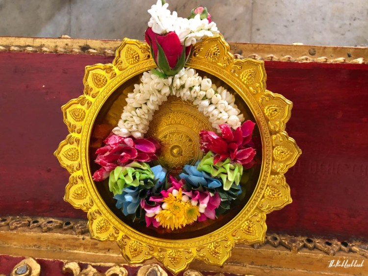 Bangkok Ultimate Travel Guide Temple Offering