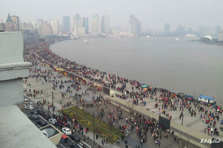 My Top 10 Tips for Your First Trip to China Crowds Bund