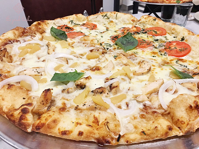 BBQ Chicken and Marghareta flavors in one pizza.
