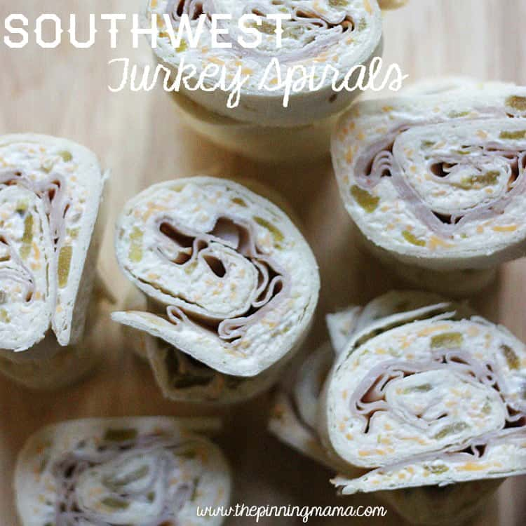 Southwest Green Chili and Turkey Spirals by www.thepinningmama.com