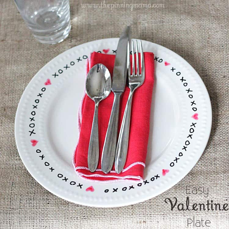 Easy Valentine's Day Plate by The Pinning Mama