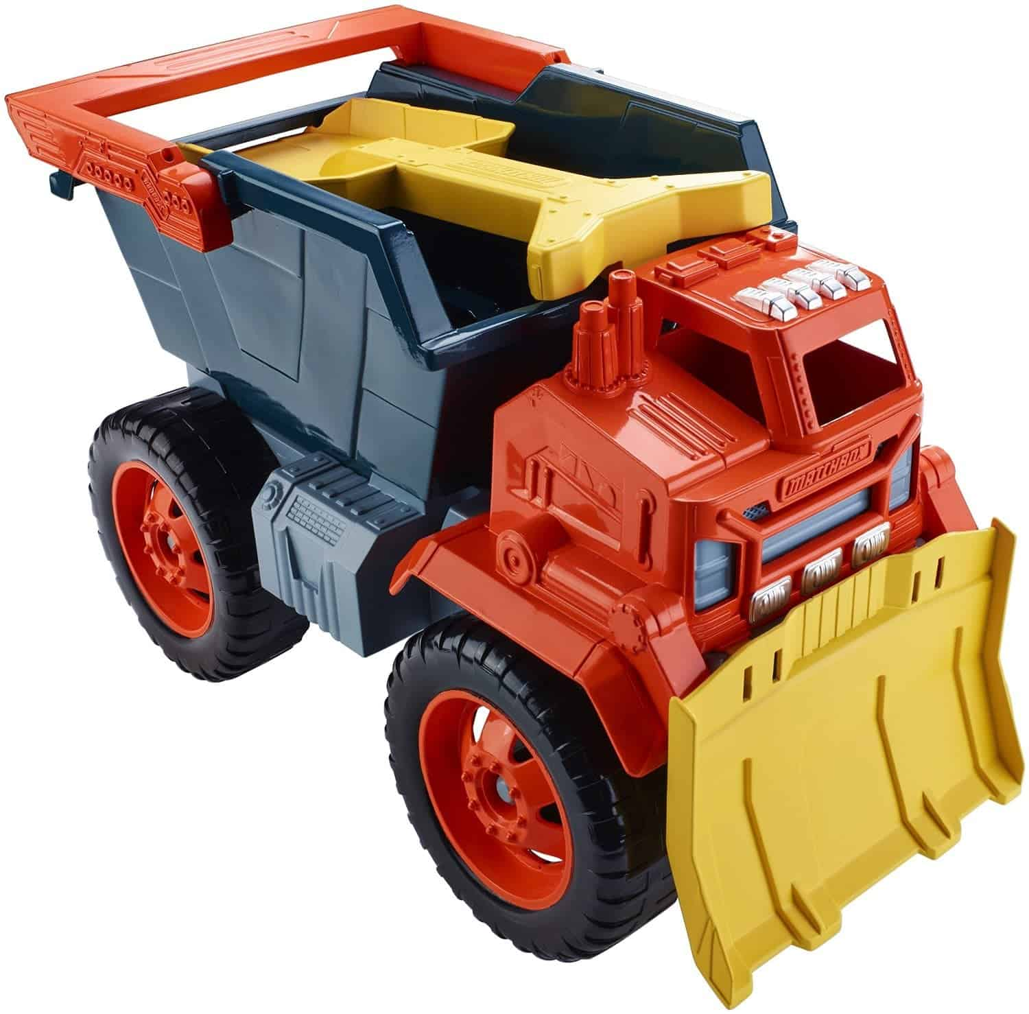 10+ Best Games and Toys for a Fun Day at the Beach: Sand Truck| www.thepinningmama.com
