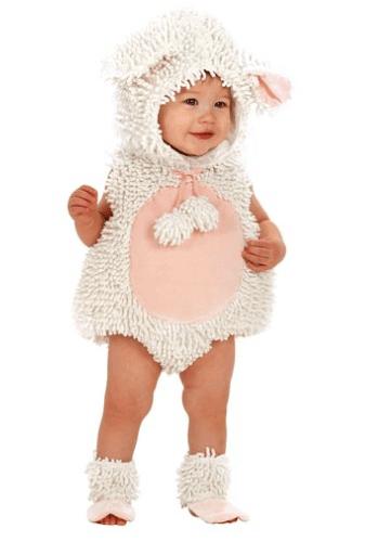 10+ Cutest Halloween Costumes for Baby Girl : Lamb | www.thepinningmama.com