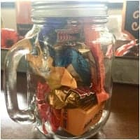 how much candy is in the jar